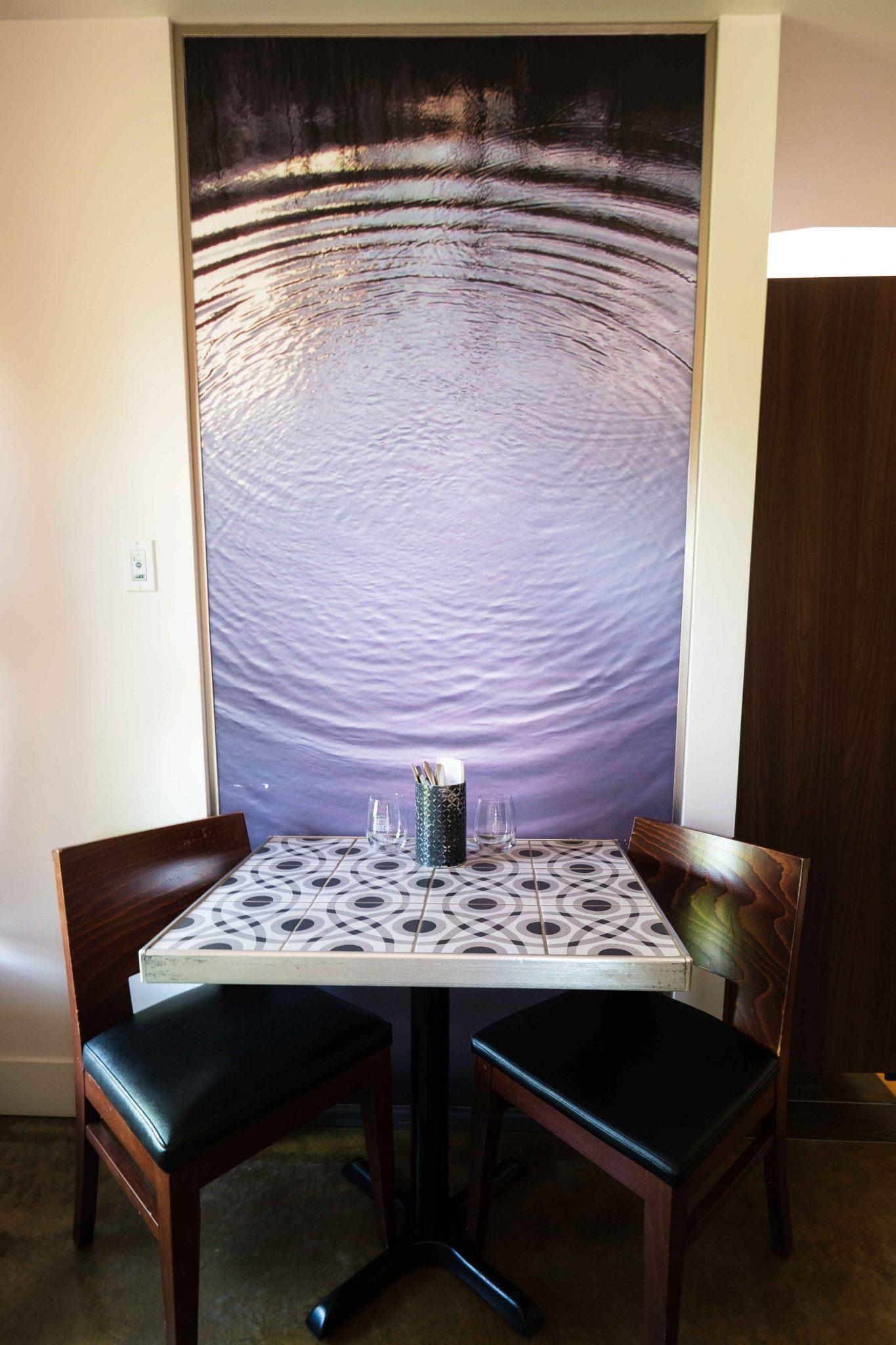 Chambre #2 - Table | Hébergement à Sutton, Estrie | Auberge Sutton Brouërie